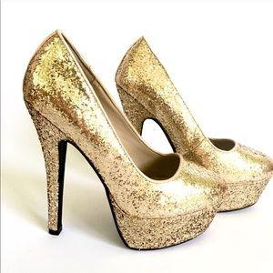 d heart Shoes - LIKE NEW Gold glitter heels